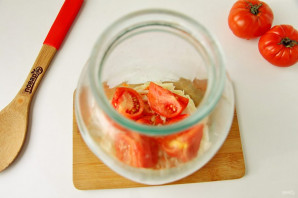 Квашеная капуста с помидорами - фото шаг 7