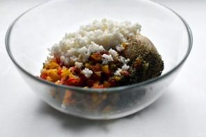Индюшиные тефтели с рисом и перцем в томатном соусе - фото шаг 5