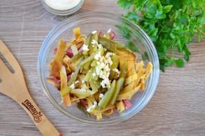 Салат с блинами и копченой колбасой - фото шаг 4