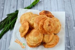Пирожки с фетой, помидорами и зеленью - фото шаг 13