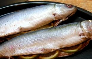 Рыба, запеченная в тесте - фото шаг 4