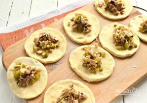 Пирожки с мясом и огурцами - фото шаг 11