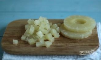 Салат: курица с ананасами и сыром - фото шаг 2