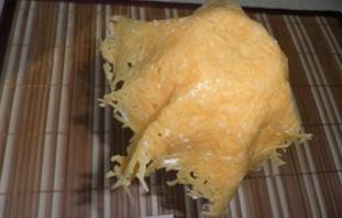 Салат в корзинке из сыра - фото шаг 5
