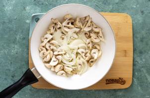 Салат из жареных грибов - фото шаг 2