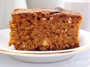 Пирог на вареной сгущенке с орехами - фото шаг 8