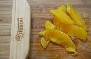 Большой салат с уткой, беконом, яблоками и апельсинами - фото шаг 6