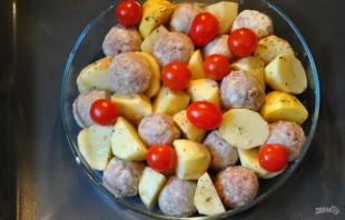 Запеченный картофель с фрикадельками - фото шаг 5