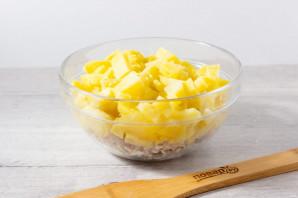 Салат с рыбой горячего копчения и картофелем - фото шаг 3