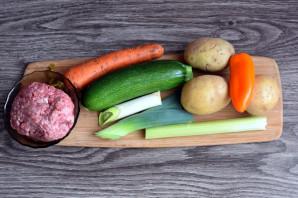 Суп с фрикадельками и кабачком - фото шаг 1