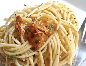 Спагетти с чесноком и петрушкой - фото шаг 11