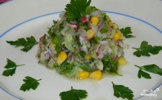 Салат с редиской и кукурузой - фото шаг 4
