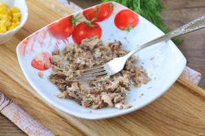 Рыбный салат с сыром - фото шаг 3