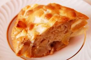 Шарлотка с яблоками на сковороде - фото шаг 8