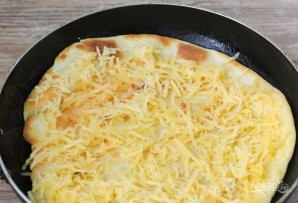 Домашняя пицца на тонком тесте - фото шаг 3