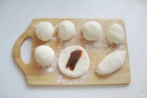 Жареные пирожки со сливовым джемом - фото шаг 7