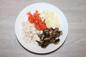 Салат с курицей в тарталетках - фото шаг 4