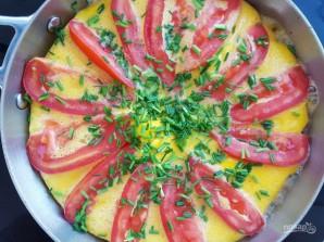 Омлет с помидорами и луком - фото шаг 5