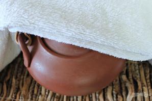 Чай с листьями смородины - фото шаг 3