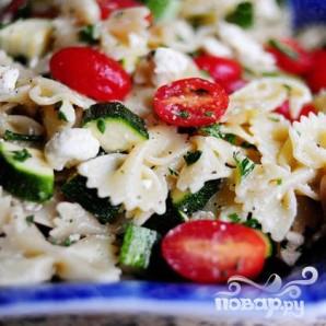 Паста салат с помидорами, цукини, и сыром Фета - фото шаг 17