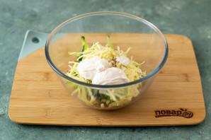 Салат из жареных грибов - фото шаг 5