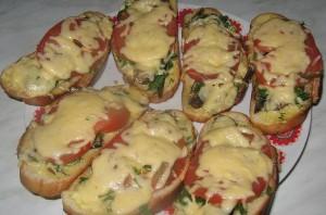 Горячий бутерброд со шпротами - фото шаг 5