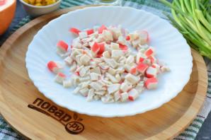 Салат с грейпфрутом и крабовыми палочками - фото шаг 3