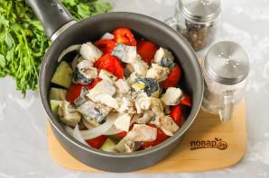 Салат со скумбрией на зиму - фото шаг 5