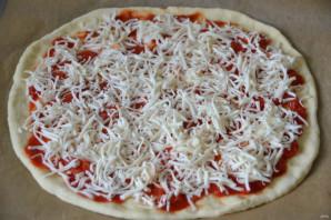 Пицца с рыбными консервами - фото шаг 6