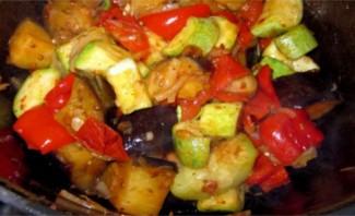 Тушеные овощи в утятнице - фото шаг 7