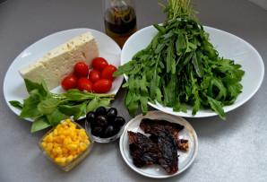 Итальянский салат с вялеными помидорами - фото шаг 1
