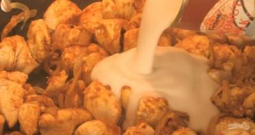 Курица с карри и кокосовым молоком - фото шаг 3