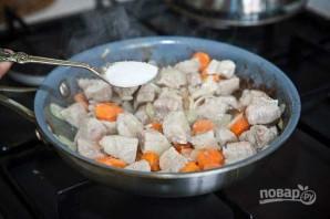Свинина в горшочке в духовке - фото шаг 6