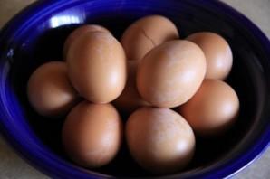Яйца фаршированные с сыром - фото шаг 1