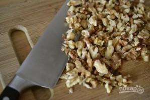 Салат из запеченных баклажанов с грецкими орехами - фото шаг 4