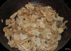 Слоеный салат с шампиньонами - фото шаг 3