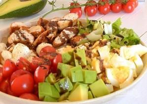 Капрезе с курицей и авокадо - фото шаг 4