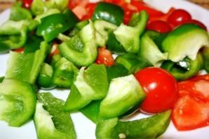 Курица в духовке с овощами на шпажках - фото шаг 3
