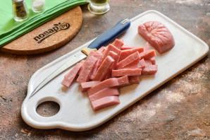 Салат с ветчиной, помидорами и базиликом - фото шаг 4