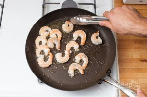 Рецепт салата с креветками - фото шаг 3
