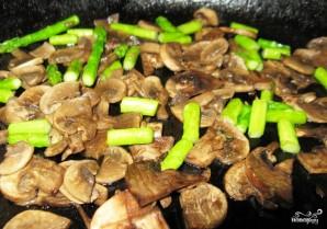 Салат из спаржи с грибами - фото шаг 6