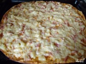 Пицца с ветчиной и ананасами - фото шаг 5