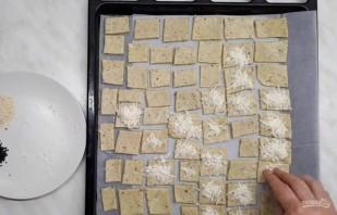 Крекеры с солью и перцем - фото шаг 3