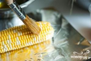 Жареная на гриле кукуруза с беконом и сыром - фото шаг 1