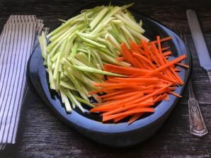 Овощи с королевскими креветками - фото шаг 2