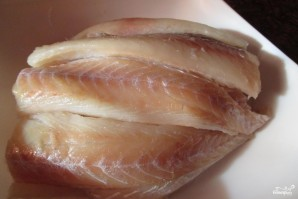 Рыба с картошкой в горшочке - фото шаг 1