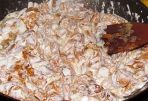 Лисички в сметанном соусе - фото шаг 5