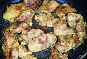 Куриная печень, жареная с луком - фото шаг 7