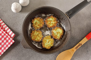 Котлеты из брокколи с манкой - фото шаг 6