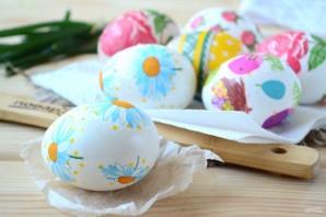 Пасхальные яйца с цветами - фото шаг 4